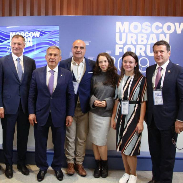 анна будникова медиа интервью пресса конференция фото москва урбанфорум фишман